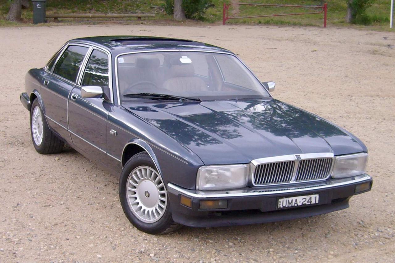 1990 Jaguar XJ40 XJ6 3.2 (195 cui) gasoline 146 kW