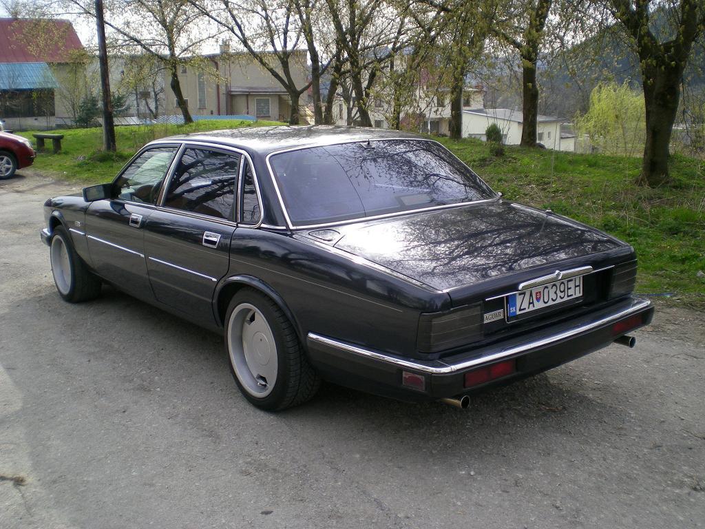 1990 daimler limousine ds420