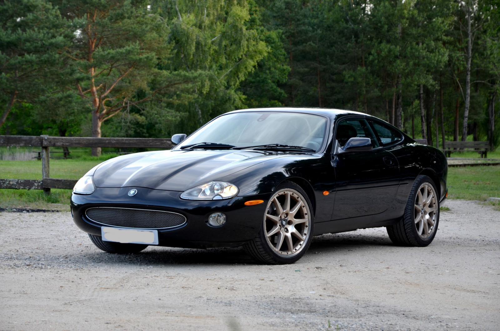 2002 Jaguar XK-X100 XK8 4.0 (244 cui) gasoline 216 kW 394 Nm